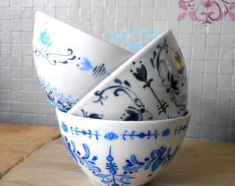 Bowls in porcelain style retro patterns vintage blue handmade bowl with lunch