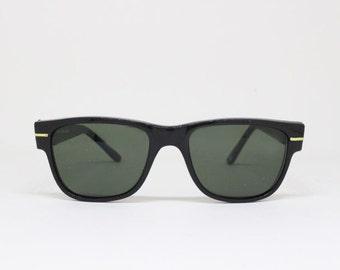 black horn rimmed sunglasses, wayfarer style, 60s frame, classic vintage style glasses