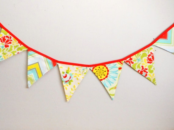Floral Party Bunting / Tea Party / Fabric Banner / Party garland / floral banner / flag bunting / Photo prop / wedding bunting / Flowers