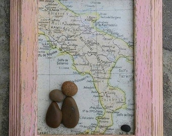 """Pebble Art / Rock Art Couple visiting Italy and Rome, 5x7 """"open"""" frame, traveling couple, (FREE SHIPPING) Honeymoon gift, Anniversary gift"""