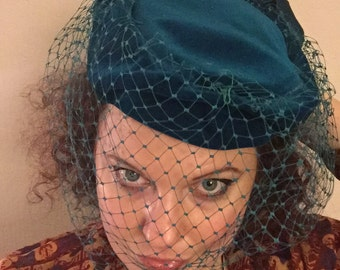 Cute vintage turquoise velvet pillbox hat with veil
