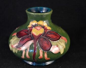 Beautiful MOORCROFT Columbine / Aquilegia Small Squat Vase