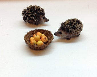 Miniature Hedgehog, Dollhouse Hedgehog, Handmade Hedgehog, 1:12 , Mini Hedgehog, Miniature animals, Dollhouse Animals