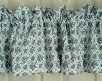 """Vintage Valance Blue Rose on White Shabby Chic Victorian Heart 100% Cotton  58"""" Wide x 16"""" Long"""