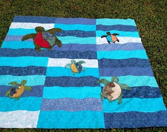 Sea Turtle Quilt / Sea Turtles Swimming Quilt / Homemade Quilt