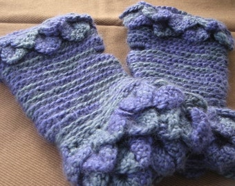 Crocodile  Stitch Fingerless Gloves