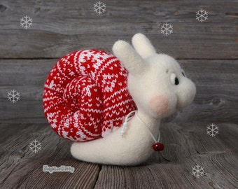Needle felted snail - Christmas gift - Needle felted animal - Home decor -  Soft sculpture - Fiber art - Holiday season