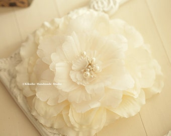 Party Hair Accessory,ivory Bridal Hair Flower,flower clip,ivory Flower Peony,ivory Wedding Hair Clip,ivory Flower Fascinator,ivory Hair Clip
