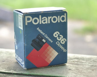 Polaroid Close up 636, Made in UK, Polaroid Camera, Vintage Camera, Retro Camera,  Collectibles .