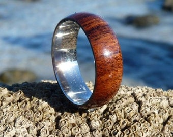 Mongoy wood and stainless steel ring