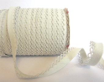 Bias binding with crocheted trim/border white