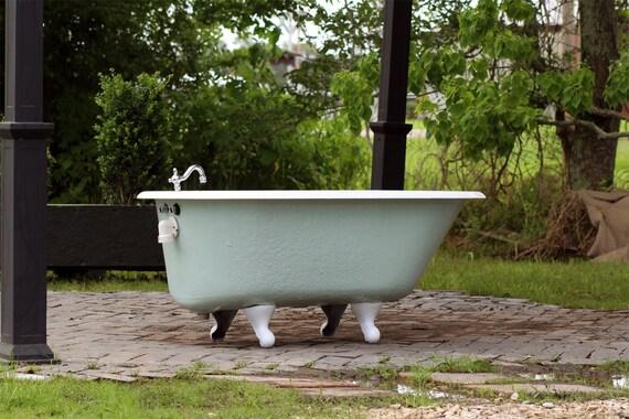 Antique 1929 refinished 4 5 39 clawfoot bathtub green by for Porcelain clawfoot bathtub