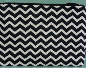 Make up pouch - Makeup bag - Cosmetic bag ** Chevron black & white ** Zippered pouch