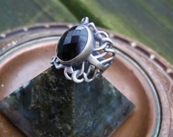 Black ring, black onyx ring,womens black ring, size 7 ring,onyx ring, gothic ring, black onyx ring,oxidized ring, oval ring, goth ring