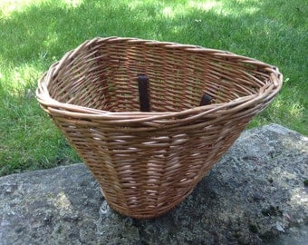 Vintage Wicker Bicycle Basket. Large Bicycle Basket with Leather Straps. Wicker D shaped Basket for Handlebars of Bicycle / Market Basket.