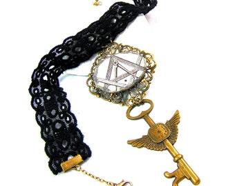 Choker / Chest lace jabot Freemason
