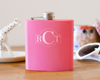 Outlined Monogram Flask | bridesmaid flask | maid of honor flask | engagement gift | pink personalized flask | initials flask | #FP0040