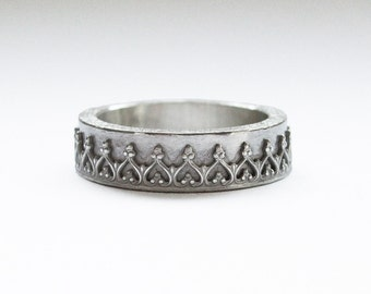 Ring with Gallery edge