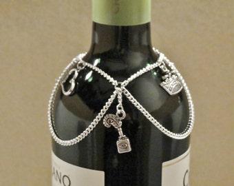 Shakespeare wine bottle charm