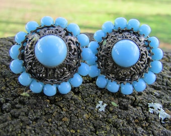 1960's  blue vintage earrings. Blue screw backs. Old blue eyes, lovely shade of blue. Free shipping!