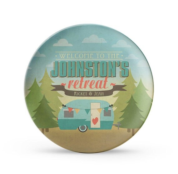 """Set of 4 Personalized Camper Plates, Personalized Melamine Woodsy RV Travel Trailer 10"""" Plate Set, Camping Plates, Camping Decor, RV Decor"""
