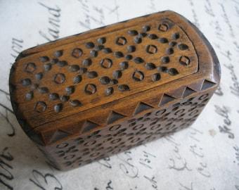 Antique primitive chip carved box, folk art box