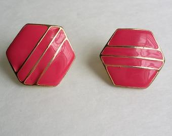 Vintage Gold Tone Hot Pink Enamel Hexagonal Geometric Clip On Earrings
