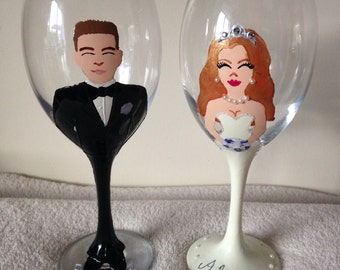 Handpainted wine glasses for bride and groom, personalised wedding, gift, hand painted, champagne flutes, prosecco glasses, toasting glass