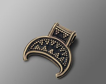 Slavic bronze Lunula (Lunitsa) pendant