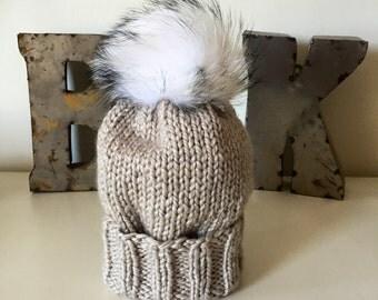 Oatmeal Wooly Hat w. Fur POM POM