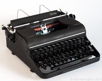 Rare 'ORBIS' typewriter - 1949. (Olympia Typewriter Company)