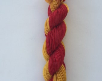 Hand Dyed Yarn SW Worsted weight | self striping yarn |100% SuperWash merino wool | 100 grams | Scarlet and Gold | super soft