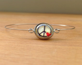 Silver peace & love bracelet/bangle