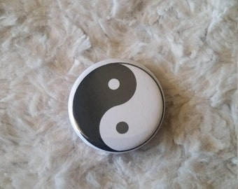 Yin Yang Pin Back Button (1.25, Small)