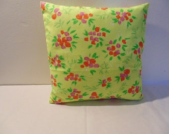 Designers Guild 100% Cotton Fabric Rosy Posy Daffodil Cushion Cover 40 x 40 cm