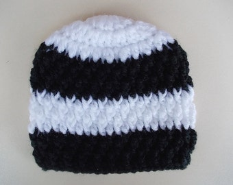 Crochet baby boy hat Striped boy hat White and black baby hat Newborn boy hat Boy hospital hat Winter baby hat Baby boy outfit