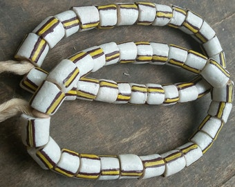 African recycled glass beads, 1 strand, 22 powder glass beads (12 mm.diam)