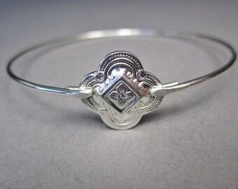 Silver Victorian Quatrefoil Bangle Bracelet, Victorian Jewelry, Polished Silver Clover, Silver Quatrefoil, Clover Jewelry, Silver Bracelet