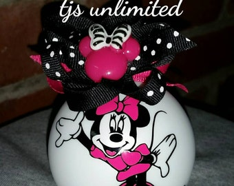 Minnie mouse. Full body. Christmas ornament. Personlaized