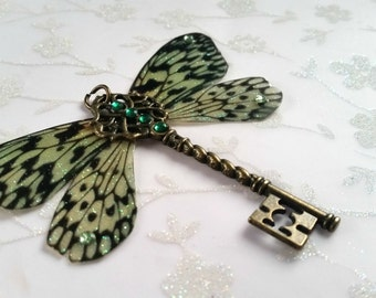 Magical Tiger-Green Wing Pendant