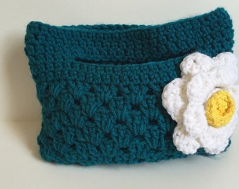 Ready to ship ! Handmade crocheted small purse with daisy