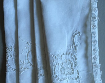 LACE Trimmed White Cotton Napkins Set of Four