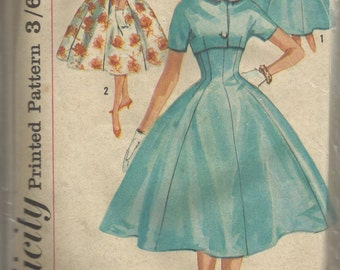 Vintage sewing pattern. Simplicity 2575. Dress and jacket pattern.