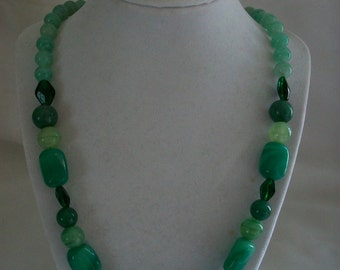 Shades of green glass stones necklace