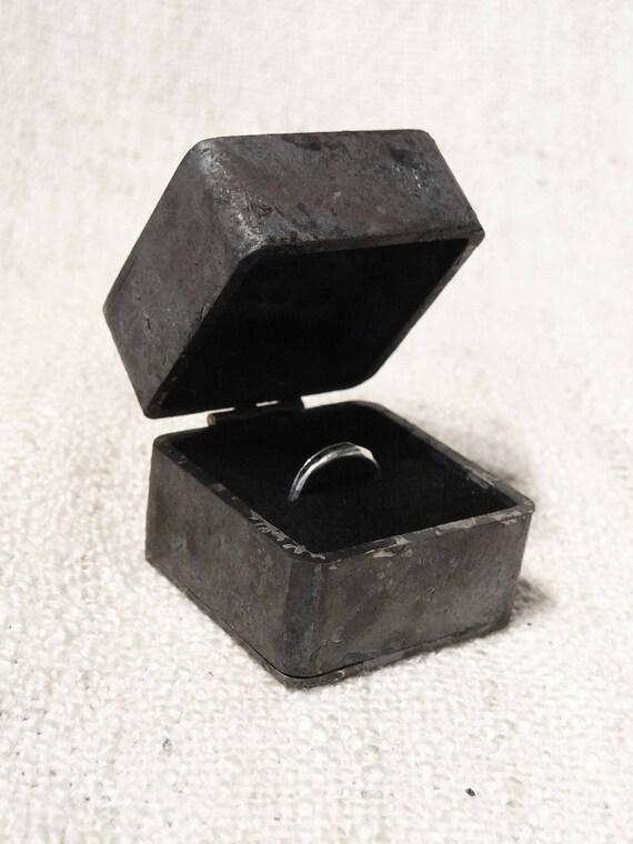 Proposal engagement ring box iron wedding ring box