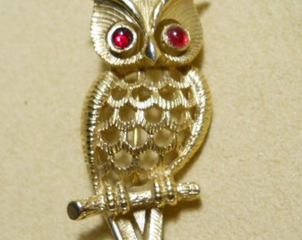 Wise Gold Owl Vintage Pin Brooch by Avon