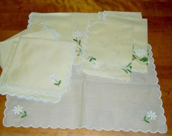 Embroided Placemats and Table Napkins Linen and Cotton Daisies 4 Places