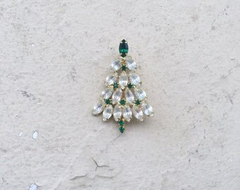Vintage Gold Rhinestone Jeweled Green White Christmas Tree Brooch Pin