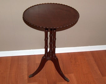 p7760: Vintage Pie Crust Mahogany Stand Accent Occasional Table Bamboo Style Legs Claw Feet at Vintageway Furniture