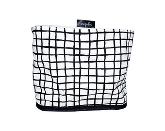 Lined Fabric Bucket, Black an White, Grid Pattern, 100% Cotton fabric, White canvas lining, Nordic design, Scandinavian style